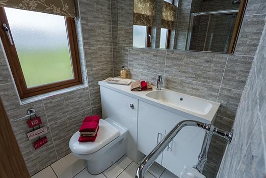 Warreners-Bathroom